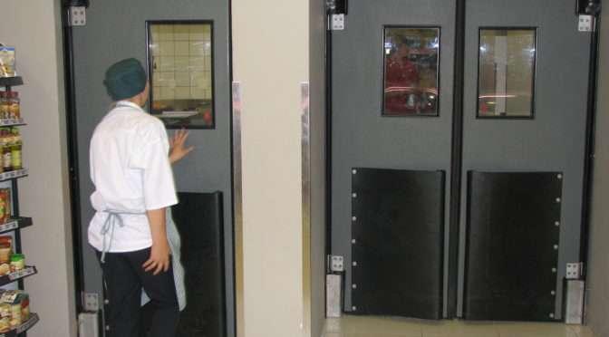 THE FUNCTIONAL HEAVY DUTY IMPACT TRAFFIC DOOR
