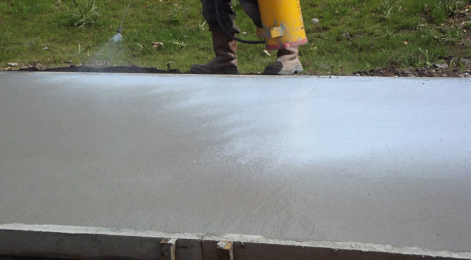 AVOID CONCRETE CRACKING IN DRY CONDITIONS